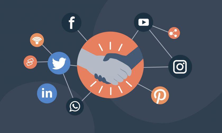 tener presencia en redes sociales